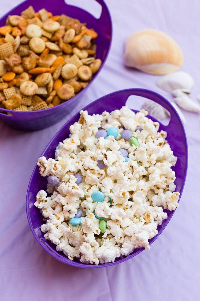 Fish chex mix and mermaid munch popcorn - Under the Sea birthday party