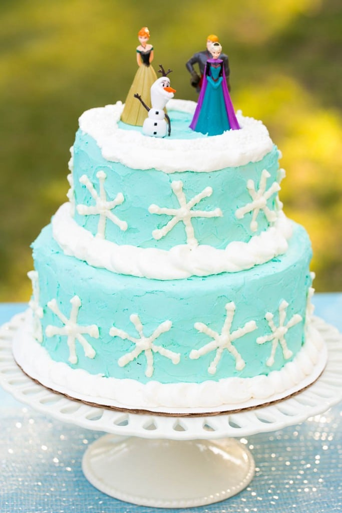 How To Plan An Amazing Frozen Birthday Party Without Spending A Ton Of Money Ideas