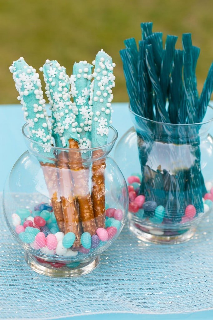 How to plan an amazing frozen birthday party without spending a ton of money. Ideas for decorations, food, activities and more!