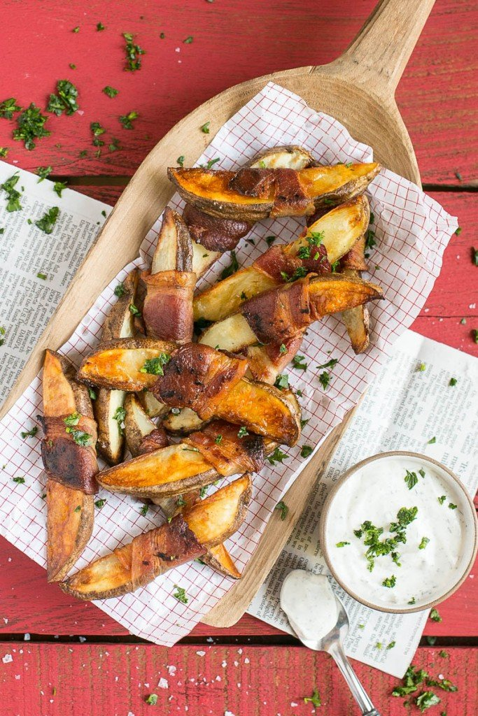 These 4 ingredient bacon wrapped potato wedges taste like they've been deep fried but there's no frying involved!