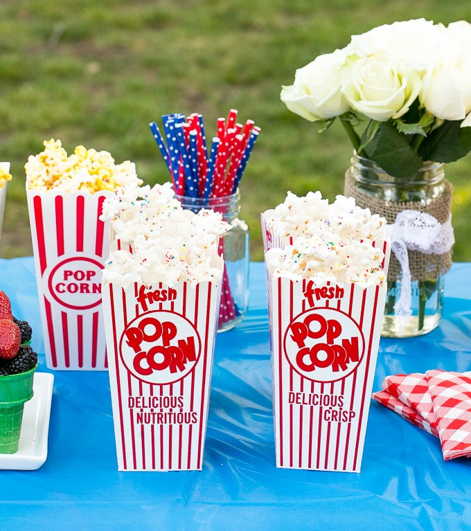 This recipe for confetti popcorn is a treat that's full of flavor and fun colors and only takes 5 minutes to make, plus ideas on how to host a family fun night with plenty of delicious and wholesome snacks! #HaveAJOLLYTIME ad