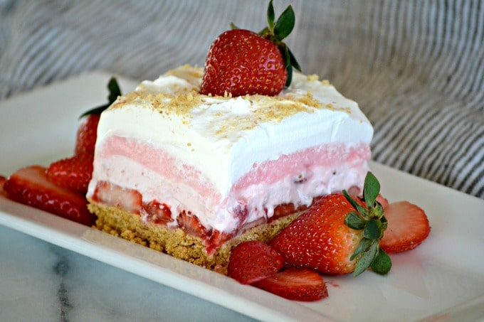 Strawberry Cheesecake Dream Bars {365 Days of Baking}