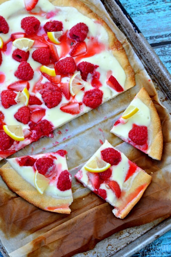 Mixed Berry Cheesecake Pizza {My Suburban Kitchen}