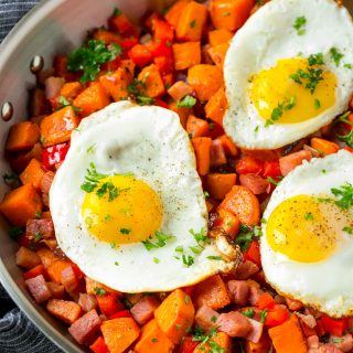 This recipe for sweet potato hash is full of ham, veggies and sweet potatoes - add a fried egg and you've got brunch perfection!