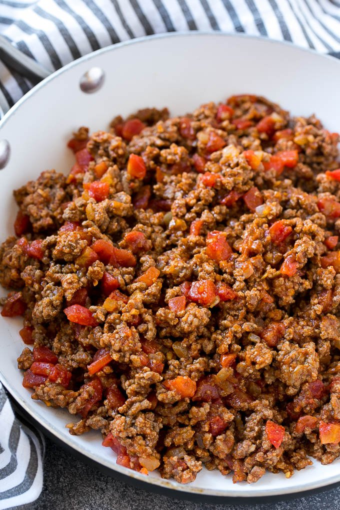 Ground beef and tomatoes form the filling for taco cups.