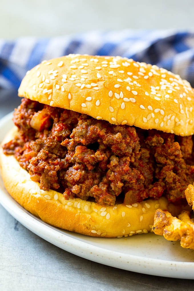 Slow Cooker Sloppy Joes - Dinner at the Zoo