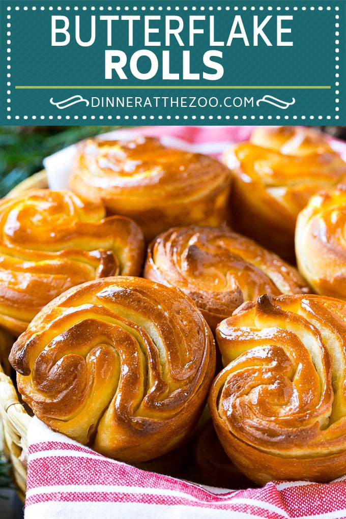 Butterflake Rolls Recipe | Easy Dinner Rolls | Homemade Dinner Rolls | Thanksgiving Rolls #rolls #bread #sidedish #baking #thanksgiving #dinner #dinneratthezoo