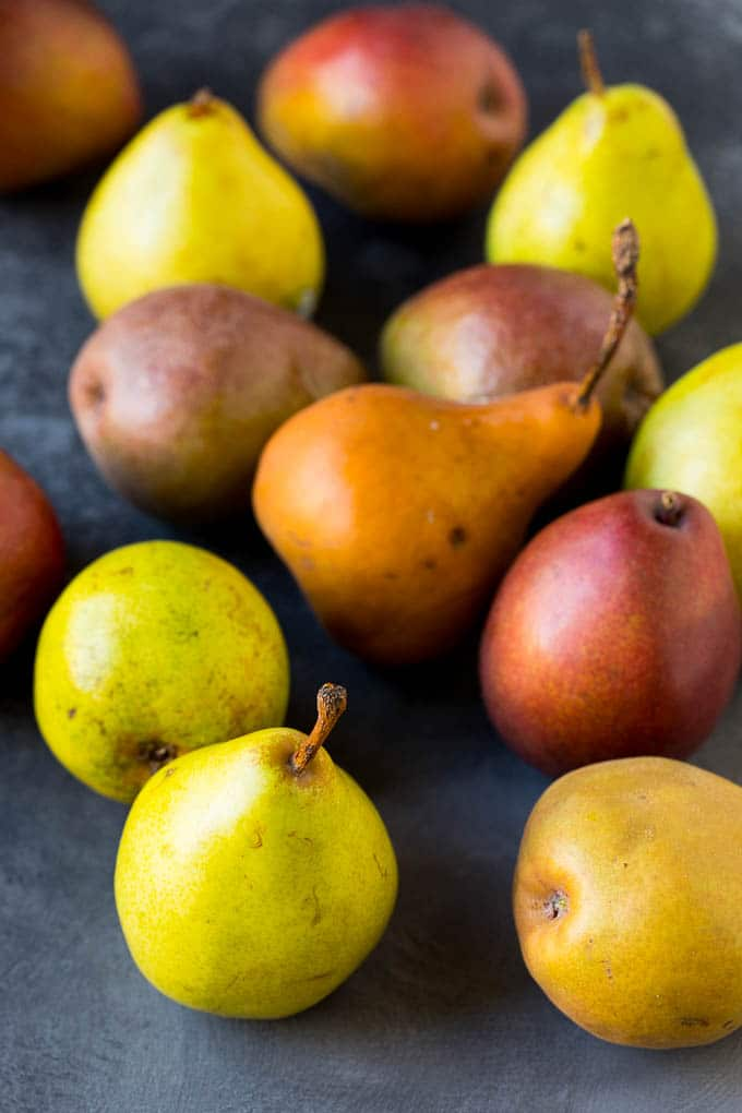 Assorted whole pears.