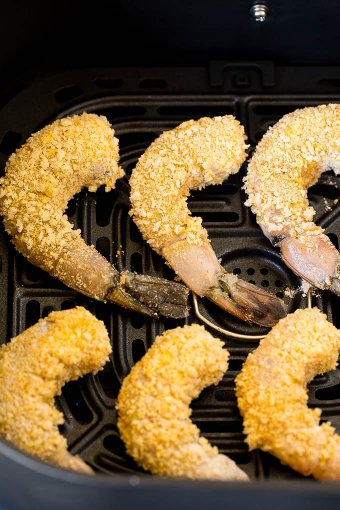 Breaded shrimp ready to be cooked.